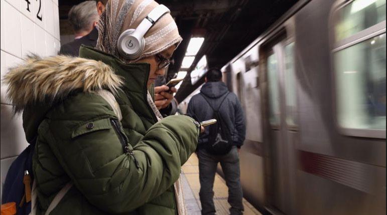 Lady on new york subway platform
